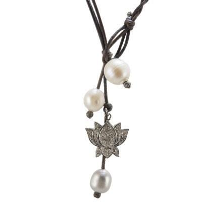 Lotus Lariat